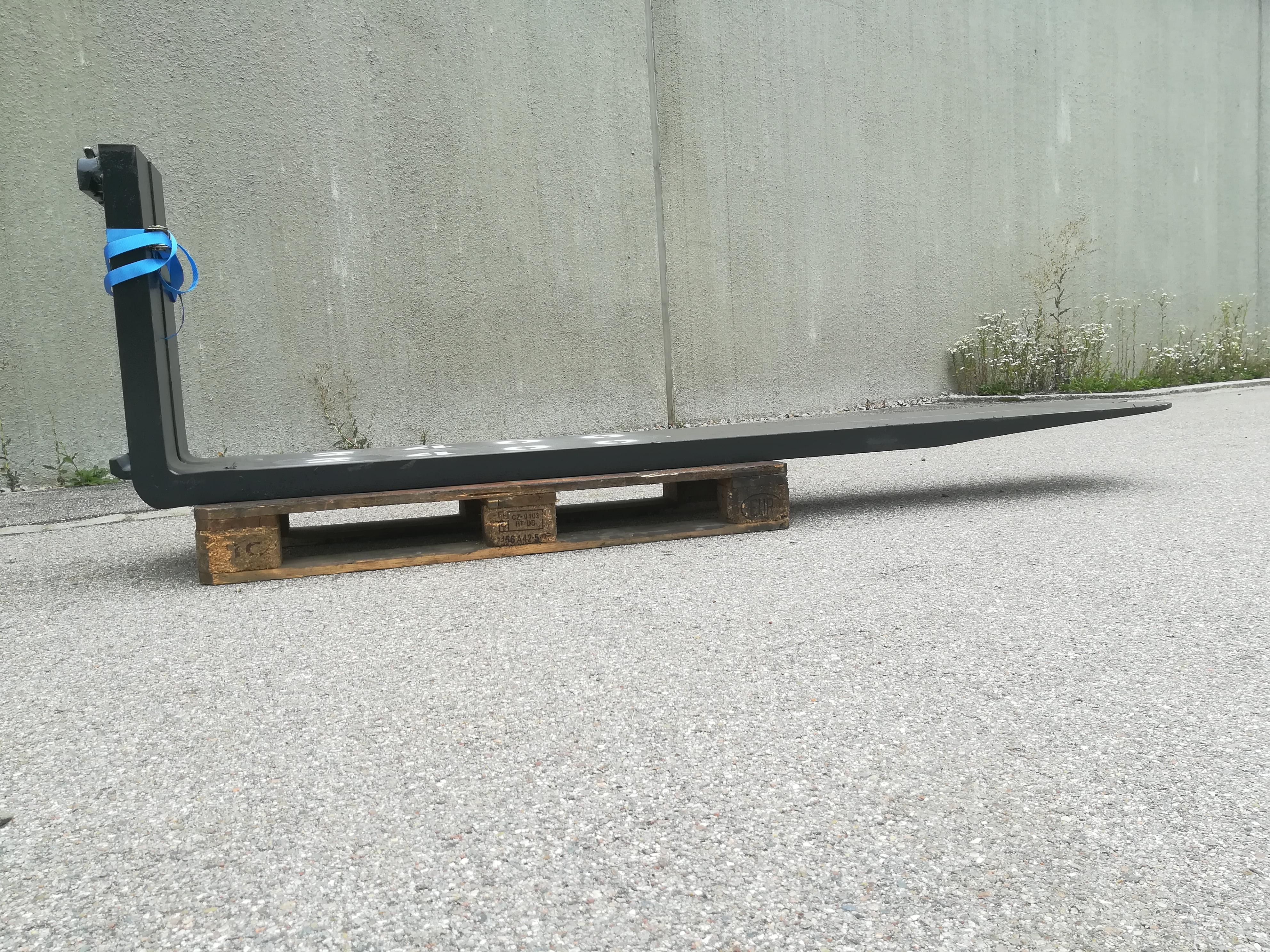 Prächtig Gabelzinken gebraucht 2,4m FEM 3B 8,4t. No 674 - Anbaugeräte Wikapak #EZ_32